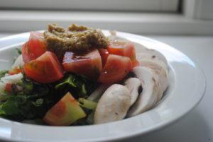 Nem salat med olivenpesto